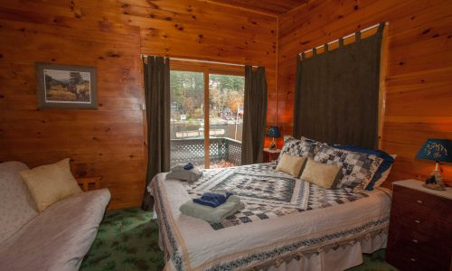 McKenzie Cottage Bedroom - Harbor Hill at Saranac Lake