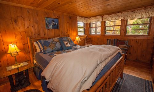 Algonquin Cottage Bedroom - Harbor Hill at Saranac Lake